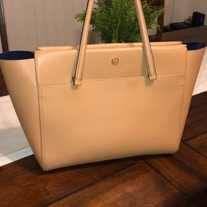 Brand new - Tory Burch Robinson Tote w/ Dust Bag